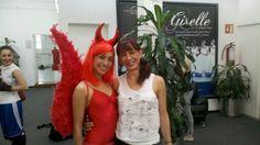 Silvia Olivares y Maestra Diana Angelini en día de Halloween