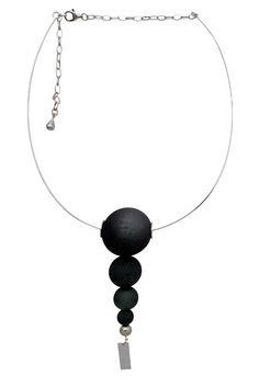 Make an impression. Wear Langaeble. #langaeble #langaeblestockholm #jewelry #smycken #halsband #statement #blacktie #mode #fashionjewelry #fashion #trend #style