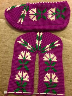 This Pin was discovered by Лия Tunisian Crochet, Knit Crochet, Mickey Mouse Wallpaper Iphone, Crochet Slippers, Baby Knitting Patterns, Sewing Hacks, Christmas Sweaters, Models, Diy And Crafts