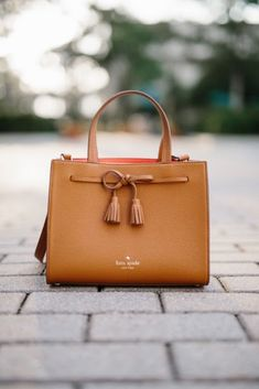 Cool 33 Best of Kate Spade New York Handbags Collection from http://www.fashionetter.com/2017/04/22/33-best-kate-spade-new-york-handbags-collection/