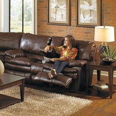 Catnapper Perez Leather Reclining Console Loveseat in Chestnut with Power Option