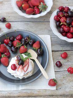 Strawberries and Cherries Meringues