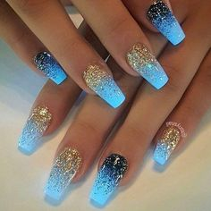 Semi-permanent varnish, false nails, patches: which manicure to choose? - My Nails Fabulous Nails, Gorgeous Nails, Pretty Nails, Amazing Nails, Cute Acrylic Nails, Acrylic Nail Designs, Gradient Nails, Silver Acrylic Nails, Holographic Nails