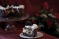 Dream Extreme Cheesecake: 3 Layers of Cheesecake, Chocolate Fudge Frosting, Whipped Cream Cheese Frosting,  Chocolate Sandwich Cookies