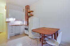 Nice compact kitchen / Kiva kompakti keittiö Compact Kitchen, Rental Apartments, Little Houses, Kitchens, Homes, Nice, Modern, Tiny Houses, Houses