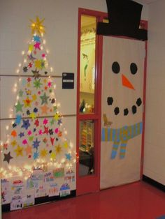 We spend a lot of time at the office, sometimes even during the holidays. And why not, work comes first after all! So why not put some effort to decorate the workplace too? Decorating the office for the Holidays is…