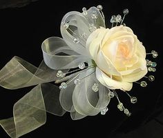 Single Rose and Crystal Bouquet Flower Bouquet Wedding, Rose Bouquet, Bouquet Toss, Floral Wedding, Crystal Bouquet, Single Rose, Crystal Wedding, White Roses, Swarovski Crystals