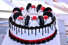 Oreo Ice Cream Cake by hrbutunts on DeviantArt Crazy Cakes, Christmas Ice Cream Cake, Cheesecake Oreo, Foto Pastel, Oreo Cake Recipes, Happy Anniversary Cakes, Oreo Ice Cream, Cake Decorating Piping, Drip Cakes