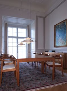 PH 5 - Køb din klassiske PH-lampe i den officielle Louis Poulsen online shop Danish Interior, Interior And Exterior, Interior Design, Mid-century Modern, Contemporary, Dining Room Design, Danish Design, Home Lighting, Interior Inspiration