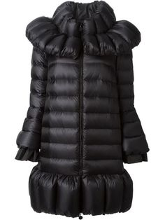 Shop Moncler flared padded jacket in Helmè from the world's best independent boutiques at farfetch.com. Over 1000 designers from 60 boutiques in one website.