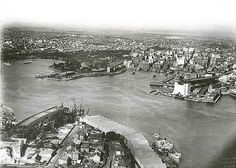 In 1942 during WWII, General Douglas MacArthur ordered secret plans to be drawn up to destroy Sydney Harbor Bridge if the Japanese invaded Australia. Harbor Bridge, Sydney Harbour Bridge, Old Pictures, Old Photos, Sydney City, Over The Bridge, Historical Images, Sydney Australia, Travel Deals