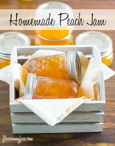 Homemade Peach Jam is perfect one a fresh biscuit or bagel with cream cheese. Jam Recipes, Canning Recipes, Fruit Recipes, Eat A Peach, Peach Jam, Sweet Peach, Easy Jam Recipe, Peach Jelly, Sweets