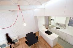 Espacio de almacenamiento en el falso techo de la cocina (de Dolmen Serveis i Projectes SL)