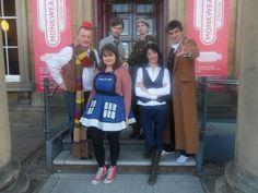 Doctor Who - 4th Doctor, Raggedy Doctor, Stg Benton,10 th Doctor, TARDIS girl and Sarah Jane Smith !
