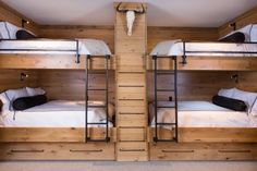 Super Small Kids Room With Bunkbeds Double Bunk Ideas Bunk Bed Rooms, Bunk Beds Built In, Bunk Beds With Stairs, Cool Bunk Beds, Kids Bunk Beds, Queen Bunk Beds, Double Bunk Beds, Boys Bunk Bed Room Ideas, Bed Stairs