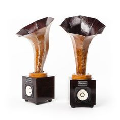 Hornlet Speakers Dark Walnut now featured on Fab.