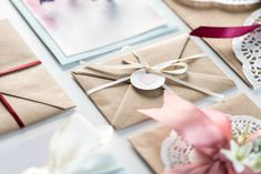 You can save a LOT of money by making your own wedding invitations! Here are the best tips and tips for DIY wedding invitations. #diywedding #weddingbudget #weddinginvitations #weddingdiy