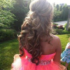 curly hair for prom