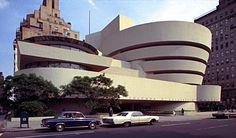 Solomon R. Guggenheim Museum, Frank Lloyd Wright, New York City, 1959.