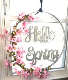 This is what an embroidery hoop can do for your front door