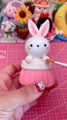 Molding clay ปั้นดินน้ำมัน – Hobbies paining body for kids and adult Polymer Clay Disney, Polymer Clay Kawaii, Polymer Clay Dolls, Polymer Clay Charms, Polymer Clay Cake, Polymer Clay Figures, Polymer Clay Sculptures, Polymer Clay Animals, Polymer Clay Projects