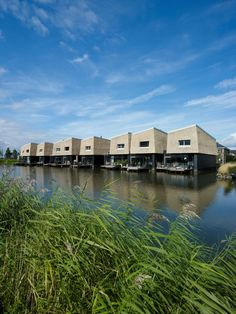 The 9 Houses on the Water located in Rotterdam, the Netherlands, were completed in 2011 by BLAUW architecten + FARO Architecten. There are three blocks of Rotterdam, City Landscape, Urban Landscape, Houseboat Living, Water House, Residential Complex, Water Element, Floating House, Earthship