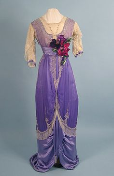 ~Beaded Purple Evening Gown, cieca 1912, via whitaker auction~