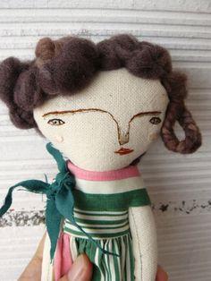 Muñeca artística con pelo de lana virgen y vestido de rayas.  30 cm de AntonAntonThings en Etsy