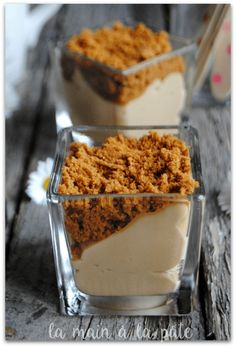 verrine with speculoos mousse - Quick and Easy Recipes Desserts With Biscuits, Mini Desserts, Fall Desserts, Sweet Recipes, Snack Recipes, Dessert Recipes, Snacks, Vegan Recipes, Oreo Dessert