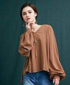 【ZOZOTOWN|送料無料】UNITED TOKYO(ユナイテッドトウキョウ)のシャツ/ブラウス「シフォンギャザーブラウス」(506400004)をセール価格で購入できます。