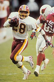 Darrell picks off a pass. Redskins Fans, Redskins Football, Football Players, Football Helmets, Redskins Players, Super Bowl, Us Soccer, Nfl History, Football Conference