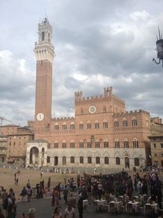 Palio square in Sienna - by TravEllenineurope.com