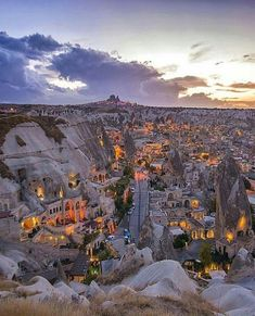 Kapadokya / Türkiye Cappadocia is truly a wonder of the nature. Places To Travel, Places To See, Travel Destinations, Wonderful Places, Beautiful Places, Beautiful Horses, Travel Around The World, Around The Worlds, Ancient City