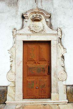Estremoz, Alentejo, Portugal Arched Doors, Windows And Doors, Door Knockers, Door Knobs, Art And Architecture, Architecture Details, Great Openings, Unique Doors, Grand Entrance