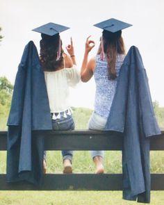 Best friends graduation photography