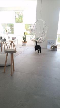 46 New Ideas for flooring concrete tiles kitchens Limestone Flooring, Grey Flooring, Tile Flooring, Flooring Ideas, Concrete Look Tile, Concrete Floors, Kitchen Tiles, Kitchen Flooring, House Plan With Loft