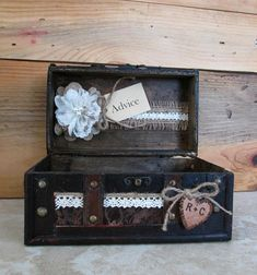 Wedding Advice Trunk – Small Wedding Box – Personalized Rustic Trunk - Wedding Advice For The Bride And Groom - Card Box – Bridal Shower Wedding Advice Box, Wedding Boxes, Wedding Signs, Wedding Reception, Ring Bearer Pillows, Personalised Box, Rustic Weddings, Note Paper, Wooden Hearts