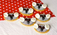 Your little kitchen helpers will love getting hands-on to make these fluffy little koala biscuits. No baking involved - just whip up some grey icing!