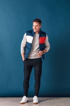 Justin Hartley talks playing Kevin Pearson on This Is Us, getting the character a truthful addiction storyline, and the ways the show blurs the lines of reality for its fans and its actors Justin Hughes, Justin Scott, Justin Hartley, Pretty Men, Beautiful Men, Evolution Of Fashion, Photography Poses For Men, Famous Men, Lady Gaga