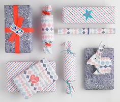 Like, like, like these gift wraps and stickers! Casual Fridays is a line of gift wrap featuring fresh and charming designs. The gift wrap . Present Wrapping, Creative Gift Wrapping, Creative Gifts, Wrapping Ideas, Gift Packaging, Packaging Ideas, Stationery Design, Paper Gifts, Little Gifts