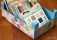 idea for x paper storage Scrapbook Organization, Craft Organization, Decoupage Paper, Diy Paper, Wooden Crates, Wooden Boxes, Birthday Gift Baskets, Paper Storage, Strawberry Box