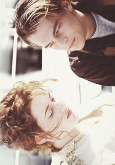 Leonardo DiCaprio and Kate Winslet in Titanic Movie Couples, Cute Couples, Leo And Kate, Young Leonardo Dicaprio, Titanic Movie, The Way He Looks, Kate Winslet, Film Serie, Celebs
