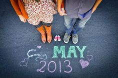 Announce with a countdown | 10 Pregnancy Announcement Photo Ideas - Tinyme Blog
