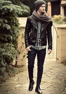 黒のレザージャケット×ボリュームマフラー