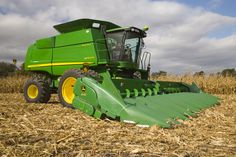 its on my bucket list to get to ride in one of these ole things this harvest with a someone ;)