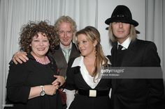 angela-mccluskey-paul-cantelon-lisa-marie-presley-and-michael-attend-picture-id609525812 1 024 × 683 pixlar