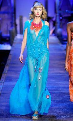 Бирюзовое платье (167 фото): в пол, короткое, с чем носить, макияж, маникюр, какие аксессуары подобрать