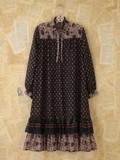I have a prairie dress looks a lot like this but in floral brown and cream. Elle Fashion, Hijab Fashion, Boho Fashion, Autumn Fashion, Womens Fashion, Boho Outfits, Vintage Outfits, Looks Style, My Style