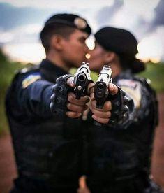 """""""Unidos na mesma direção""""✔💀 #SouPolicialMilitar #PoliciaMilitar #PapaMike #EuSouMilitar #PoliciaisMilitares #PapaFox #Fox #mulheresdefarda…"""