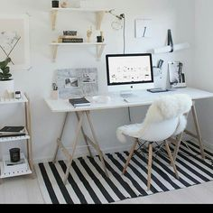 Absolutely dazzling home office! Apologies I don't know who took this stunning shot, if you know please let me know! Thank you